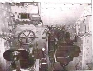 Intérieur d'un B1bis (pilotage et canon de 75)